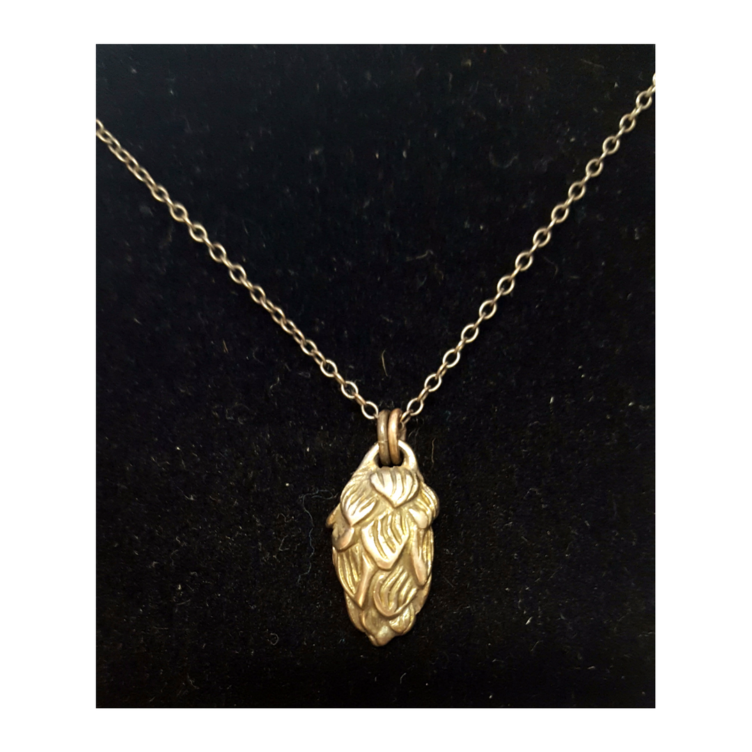 Sweetheart Hop Flower Necklace Detail